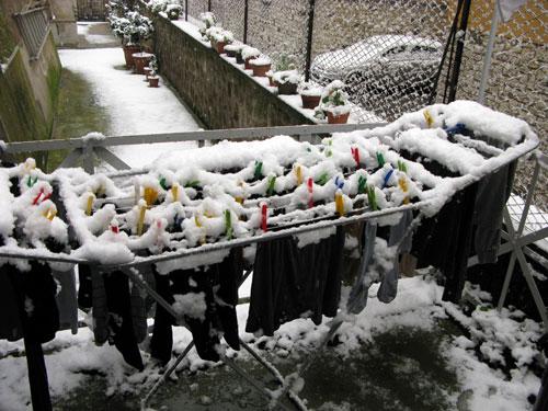 イタリアで洗濯物が凍る