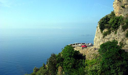 アマルフィ海岸の断崖絶壁