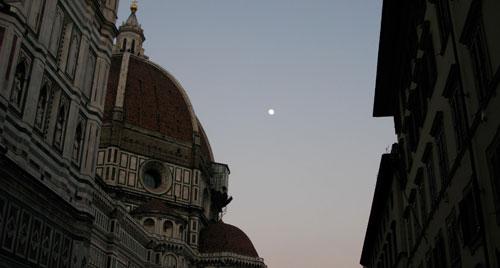 フィレンツェと月
