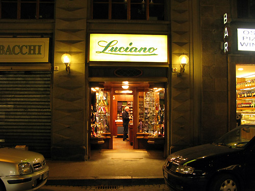 Luciano Gloves Firenze