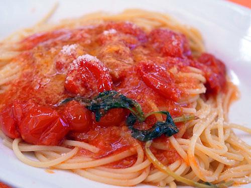 spaghetti_al_pomodoro.jpg