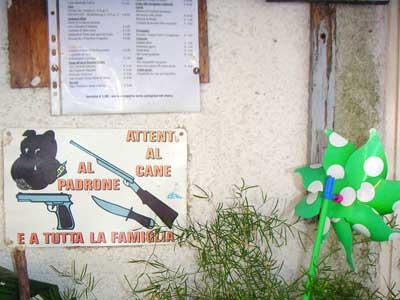 ボルセナ湖のレストラン5
