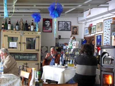 ボルセーナ湖のレストラン7